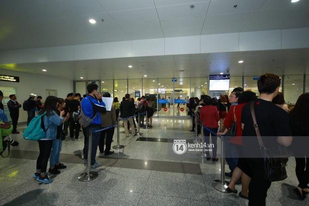 Chuyến bay cuối cùng hạ cánh, fan tiếc nuối vì G-Dragon không đến Việt Nam như tin đồn - Ảnh 7.