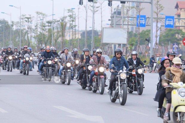 Một lần nữa, MC Anh Tuấn lại gây xúc động khi chạy chiếc xe của Trần Lập dẫn đoàn diễu hành trên phố - Ảnh 6.