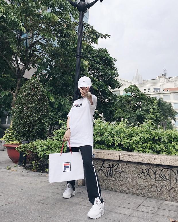 Giới trẻ châu Á người người nhà nhà đang diện T-shirt và sneaker Fila chất phát ngất ra sao? - Ảnh 8.