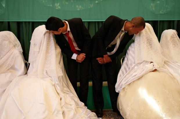 Cùng ngắm thêm 22 bộ váy cưới truyền thống tuyệt đẹp trên toàn thế giới - Ảnh 34.