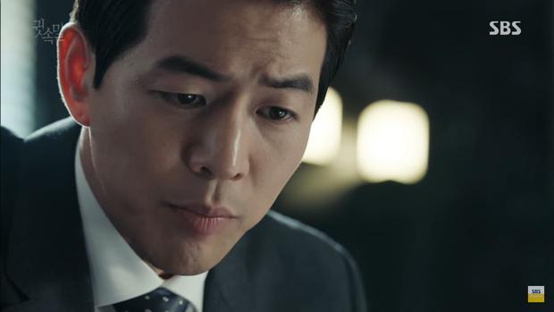 """""""Whisper"""": Lee Sang Yoon và vợ """"tình tứ"""" ngay trước mặt Lee Bo Young - Ảnh 38."""