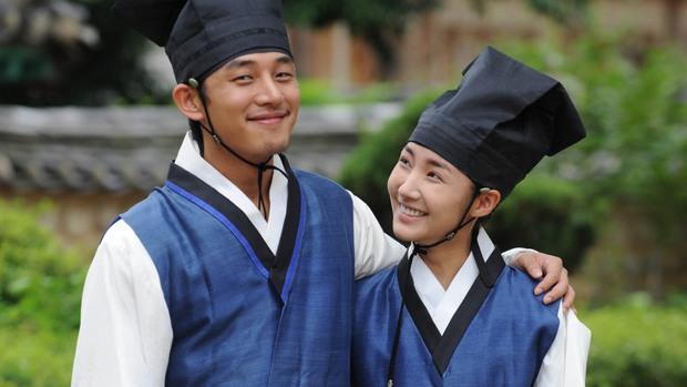 Bằng chứng chứng minh 5 nam chính phim Hàn này có bệnh về mắt cực nặng - Ảnh 8.