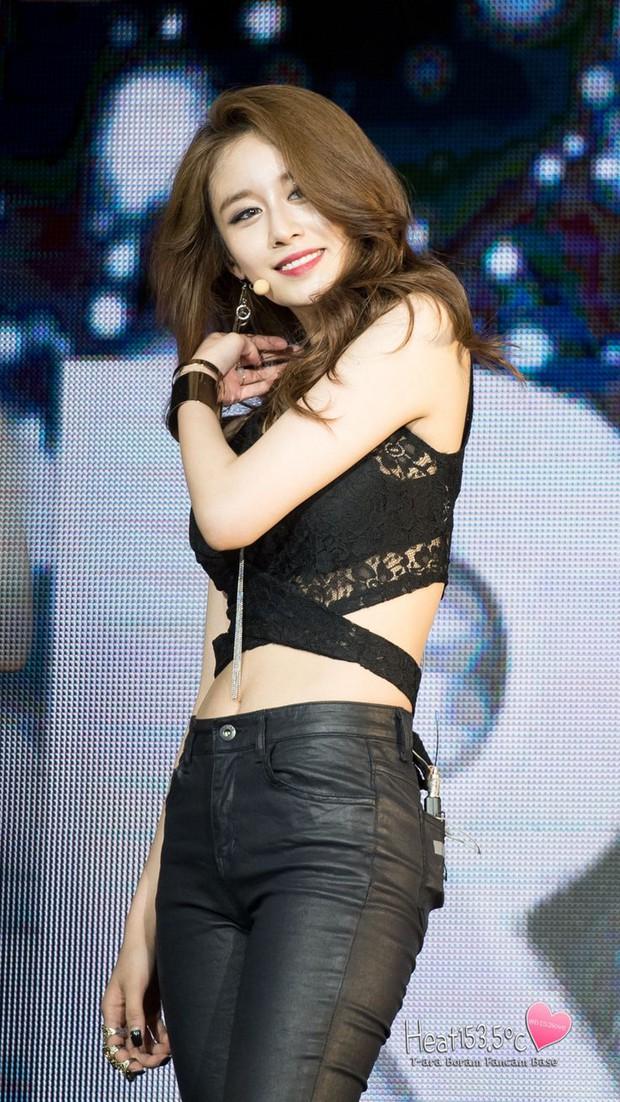 Không muốn bị chỉ trích ăn hôi theo scandal của Hwayoung, Jiyeon hoãn ngày trở lại - Ảnh 1.