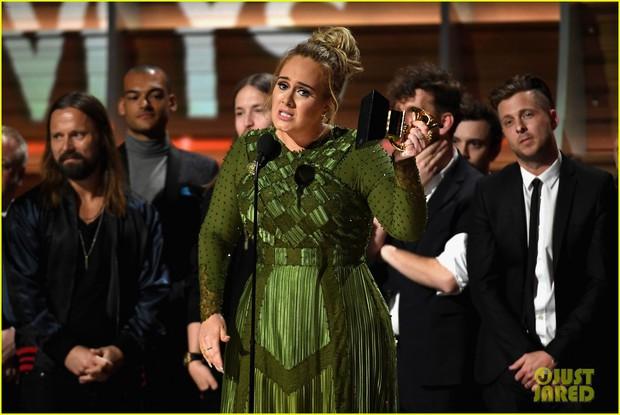 Beyonce tức giận vì em gái đá đểu chiến thắng của Adele tại Grammy - Ảnh 5.
