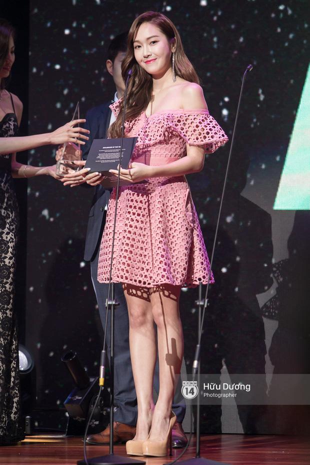 Jessica đốt cháy sân khấu Influence Asia 2017 với hit solo - Ảnh 1.