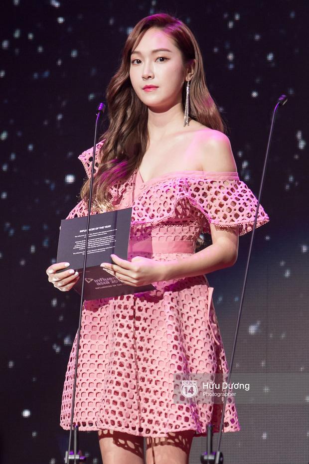 Jessica đốt cháy sân khấu Influence Asia 2017 với hit solo - Ảnh 2.