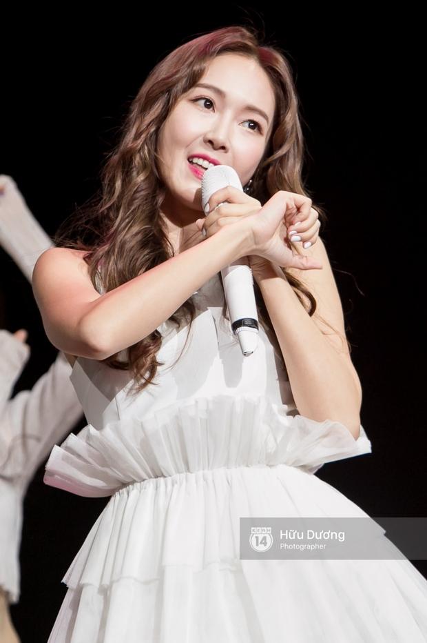 Jessica đốt cháy sân khấu Influence Asia 2017 với hit solo - Ảnh 13.