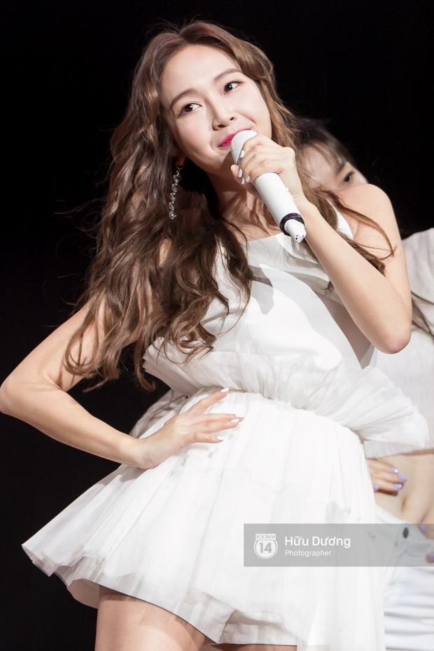 Jessica đốt cháy sân khấu Influence Asia 2017 với hit solo - Ảnh 14.