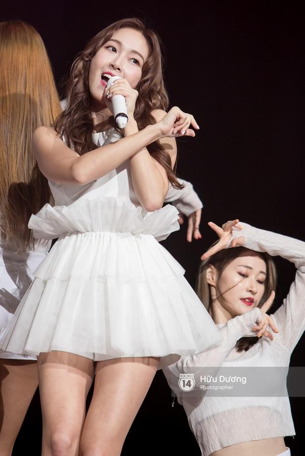 Jessica đốt cháy sân khấu Influence Asia 2017 với hit solo - Ảnh 15.