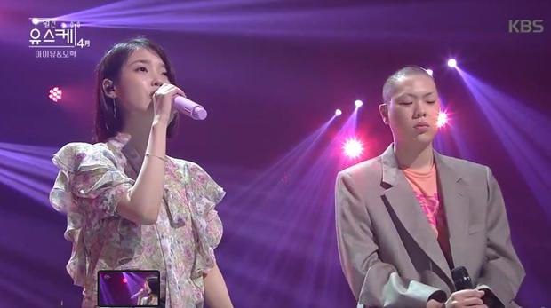 """""""Cặp đôi đánh bay mọi BXH"""" IU và Oh Hyuk hát live như nuốt đĩa trên sân khấu - Ảnh 8."""