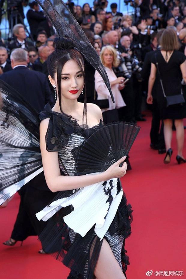 Đến hẹn lại lên, Cannes chứng kiến hình ảnh mỹ nhân Cbiz ăn mặc khó hiểu trên thảm đỏ - Ảnh 3.