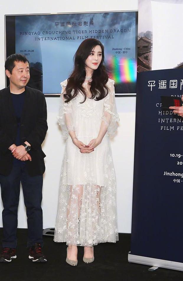 Đẳng cấp nhan sắc của Phạm Băng Băng tại Cannes: Chẳng cần lồng lộn vẫn đẹp hết nấc! - Ảnh 1.