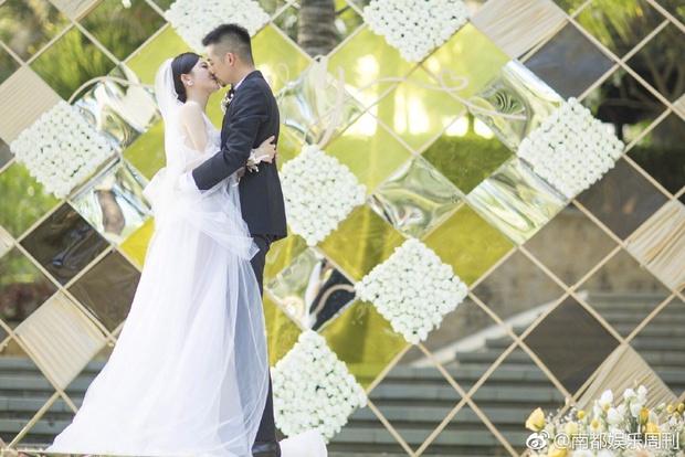 Đám cưới nhà người ta nhưng netizen chỉ chú ý đến đôi bạn thân Triệu Vy - Tô Hữu Bằng lâu lắm mới hội ngộ - Ảnh 10.