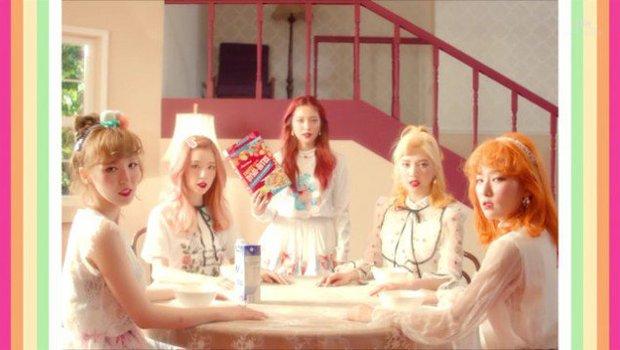 MV tiếng Nhật của A Pink vừa ra đã bị tố đạo nhái hit tiếng Hàn của Red Velvet - Ảnh 10.