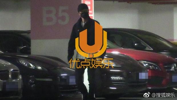 Triệu Lệ Dĩnh bị bắt gặp mặc áo đôi đi khách sạn với Đường Tăng Phùng Thiệu Phong - Ảnh 4.