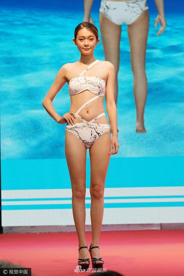 Chất lượng nghèo nàn của dàn người mẫu áo tắm quốc tế Trung Quốc khiến dân tình ngán ngẩm - Ảnh 6.