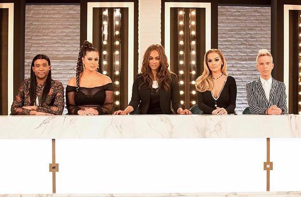 Next Top Mỹ quá thất bại, Tyra Banks sẽ đuổi việc host mới? - Ảnh 1.