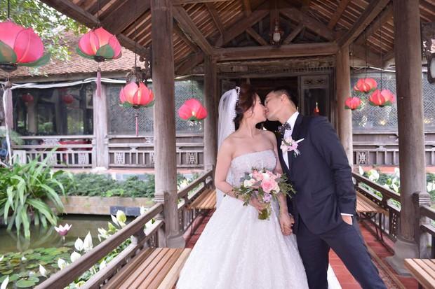 MC Thành Trung cùng bà xã kí hợp đồng hôn nhân trong lễ cưới - Ảnh 15.