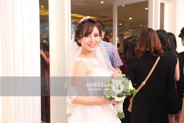 ĐỘC QUYỀN: Tú Linh mặc váy cô dâu, rạng rỡ trong tiệc cưới buổi tối - Ảnh 4.