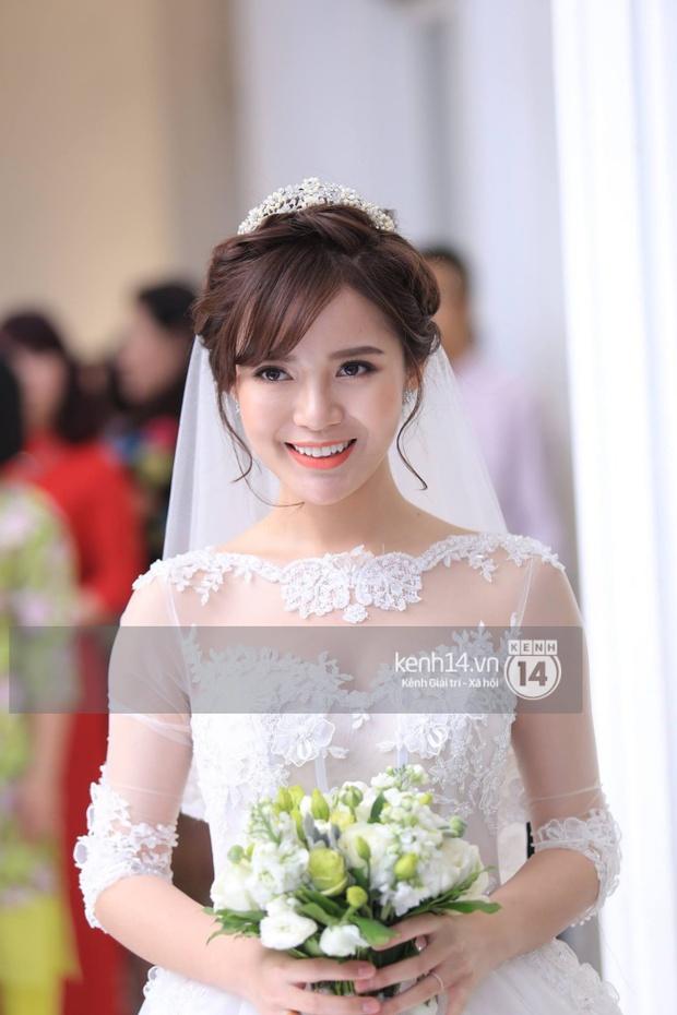 ĐỘC QUYỀN: Tú Linh mặc váy cô dâu, rạng rỡ trong tiệc cưới buổi tối - Ảnh 5.