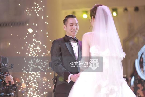 ĐỘC QUYỀN: Tú Linh mặc váy cô dâu, rạng rỡ trong tiệc cưới buổi tối - Ảnh 14.