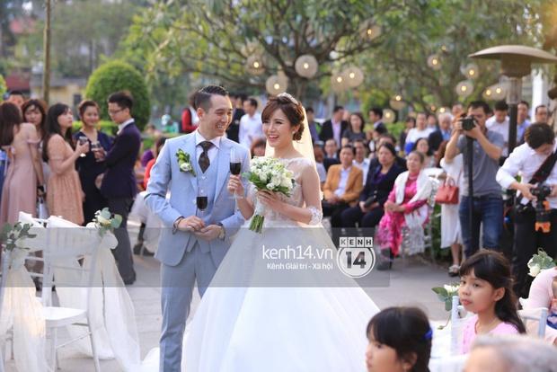 ĐỘC QUYỀN: Tú Linh mặc váy cô dâu, rạng rỡ trong tiệc cưới buổi tối - Ảnh 8.