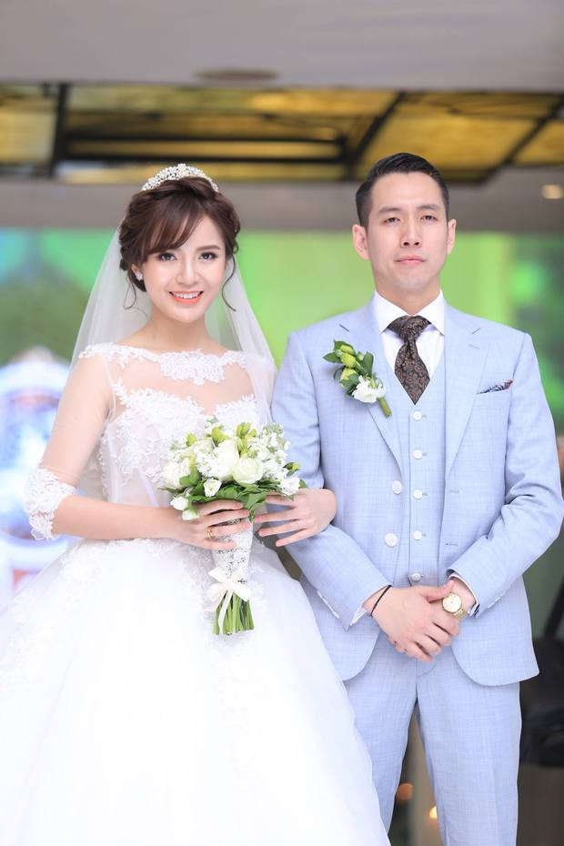 ĐỘC QUYỀN: Tú Linh mặc váy cô dâu, rạng rỡ trong tiệc cưới buổi tối - Ảnh 9.