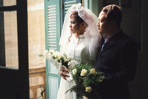 Độc nhất vô nhị: Chụp một lần, cặp đôi tái hiện được tất cả các kiểu lễ cưới Việt Nam trong 100 năm qua! - Ảnh 14.