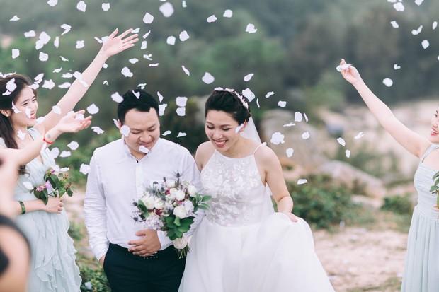 Độc nhất vô nhị: Chụp một lần, cặp đôi tái hiện được tất cả các kiểu lễ cưới Việt Nam trong 100 năm qua! - Ảnh 23.