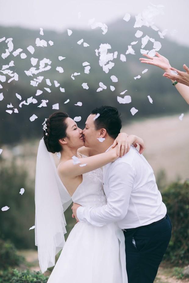 Độc nhất vô nhị: Chụp một lần, cặp đôi tái hiện được tất cả các kiểu lễ cưới Việt Nam trong 100 năm qua! - Ảnh 22.