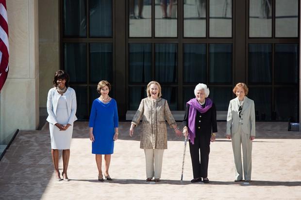 Dù phải chia tay thế nhưng người ta sẽ mãi nhớ về bà Michelle Obama với 30 hình ảnh này - Ảnh 35.