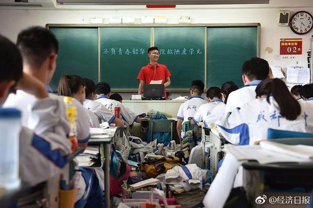 Trung Quốc nóng hừng hực trong mùa Gaokao - một trong những kỳ thi khốc liệt nhất thế giới - Ảnh 4.