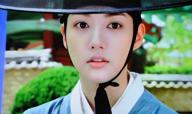 Bằng chứng chứng minh 5 nam chính phim Hàn này có bệnh về mắt cực nặng - Ảnh 6.