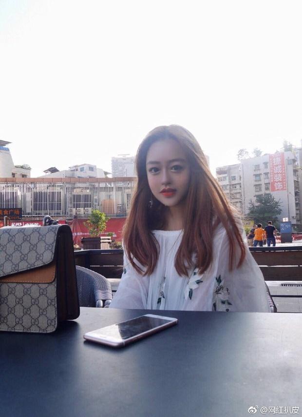 Biết ảnh là ảo rồi, nhưng nhan sắc thật của các hot girl mạng xã hội Trung Quốc vẫn khiến cho nhiều người phải ngã ngửa - Ảnh 4.