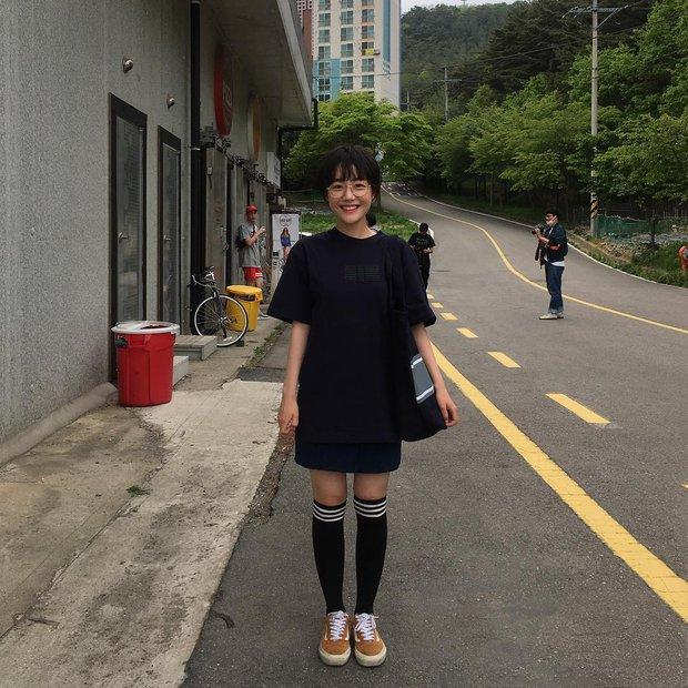 Cô bạn Hàn Quốc với nụ cười má lúm làm xiêu lòng mọi chàng trai - Ảnh 10.