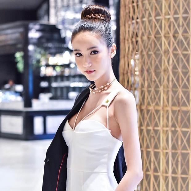 Bị đồn đập mặt xây lại, tân Hoa hậu chuyển giới Thái Lan tung loạt ảnh quá khứ gây bất ngờ - Ảnh 15.