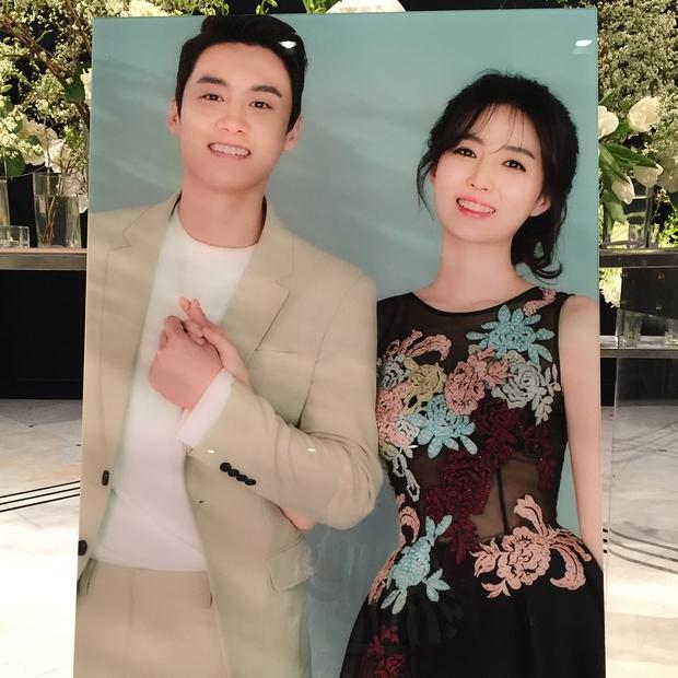 Xôn xao vì vợ diễn viên Vì sao đưa anh tới vừa quá đẹp vừa giống Lee Young Ae - Ảnh 3.