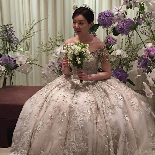 Xôn xao vì vợ diễn viên Vì sao đưa anh tới vừa quá đẹp vừa giống Lee Young Ae - Ảnh 16.