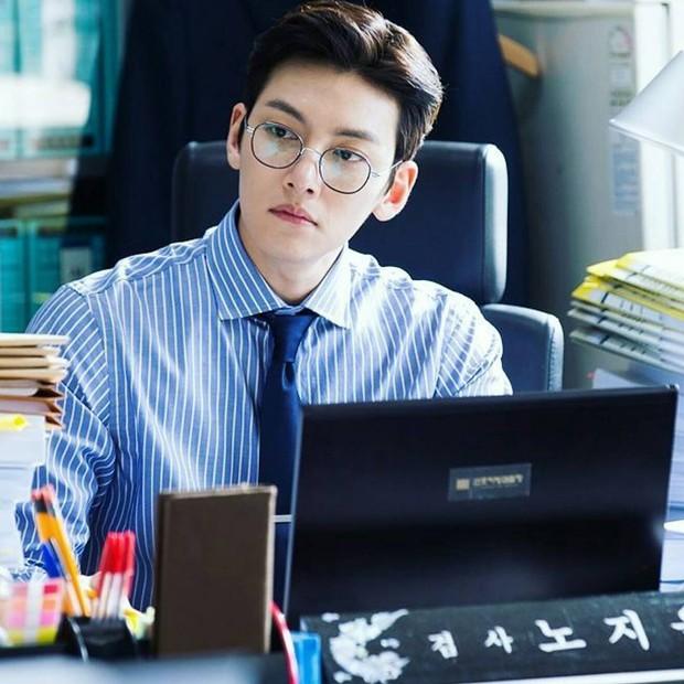 Có ai như Ji Chang Wook: Cạo đầu nhập ngũ vẫn trở thành hiện tượng vì quá... điển trai - Ảnh 13.