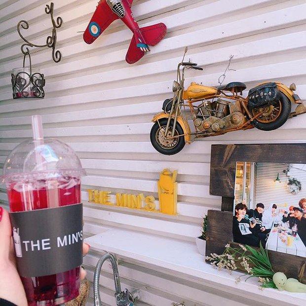 Tới Hàn Quốc, muốn gặp thần tượng không đâu dễ bằng đến chính quán cafe do họ mở! - Ảnh 11.