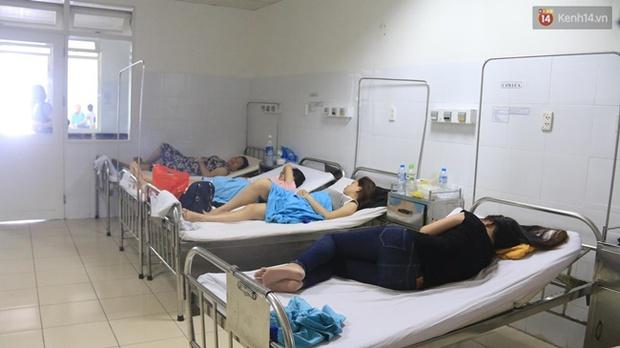 Đà Nẵng: 17 người nhập viện nghi do ngộ độc thực phẩm sau khi ăn cơm gà - Ảnh 2.