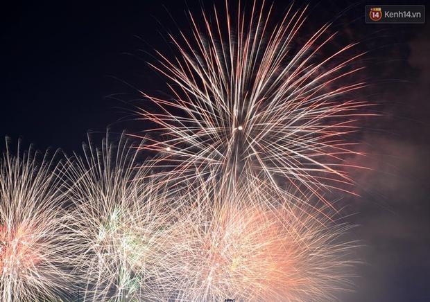 Chùm ảnh: Hai đội Thụy Sỹ và Nhật Bản tranh tài đẹp mắt tại Lễ hội pháo hoa quốc tế Đà Nẵng - Ảnh 5.