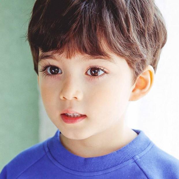 Cậu bé từng được mệnh danh là đối thủ của Mason giờ đã lớn và xinh trai đến nhường này - Ảnh 9.