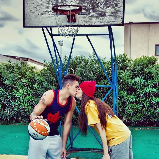 Chàng trai này là cặp đôi hoàn hảo của người đẹp bóng rổ sexy nhất hành tinh - Ảnh 7.