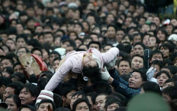 Cuộc đại di cư về quê ăn Tết từ lâu đã trở thành một nét văn hoá của người Trung Quốc - Ảnh 8.
