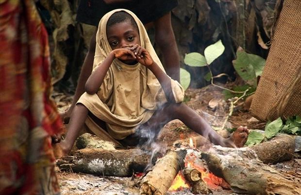 Bên trong bộ lạc gần 50% trẻ em không thể sống quá 5 tuổi ở châu Phi - Ảnh 19.