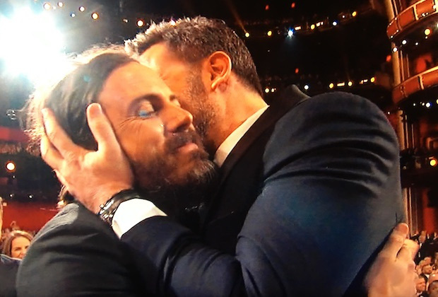 Những khoảnh khắc làm nên một Lễ trao giải Oscar đáng nhớ nhất trong lịch sử! - Ảnh 10.