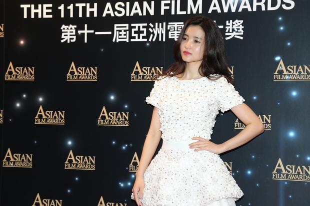 Phạm Băng Băng chiếm hết ánh đèn sân khấu đêm trao giải phim châu Á 2017 - Ảnh 11.