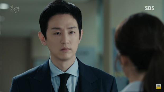 """""""Whisper"""": Lee Sang Yoon và vợ """"tình tứ"""" ngay trước mặt Lee Bo Young - Ảnh 30."""