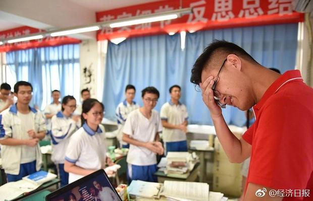 Trung Quốc nóng hừng hực trong mùa Gaokao - một trong những kỳ thi khốc liệt nhất thế giới - Ảnh 6.